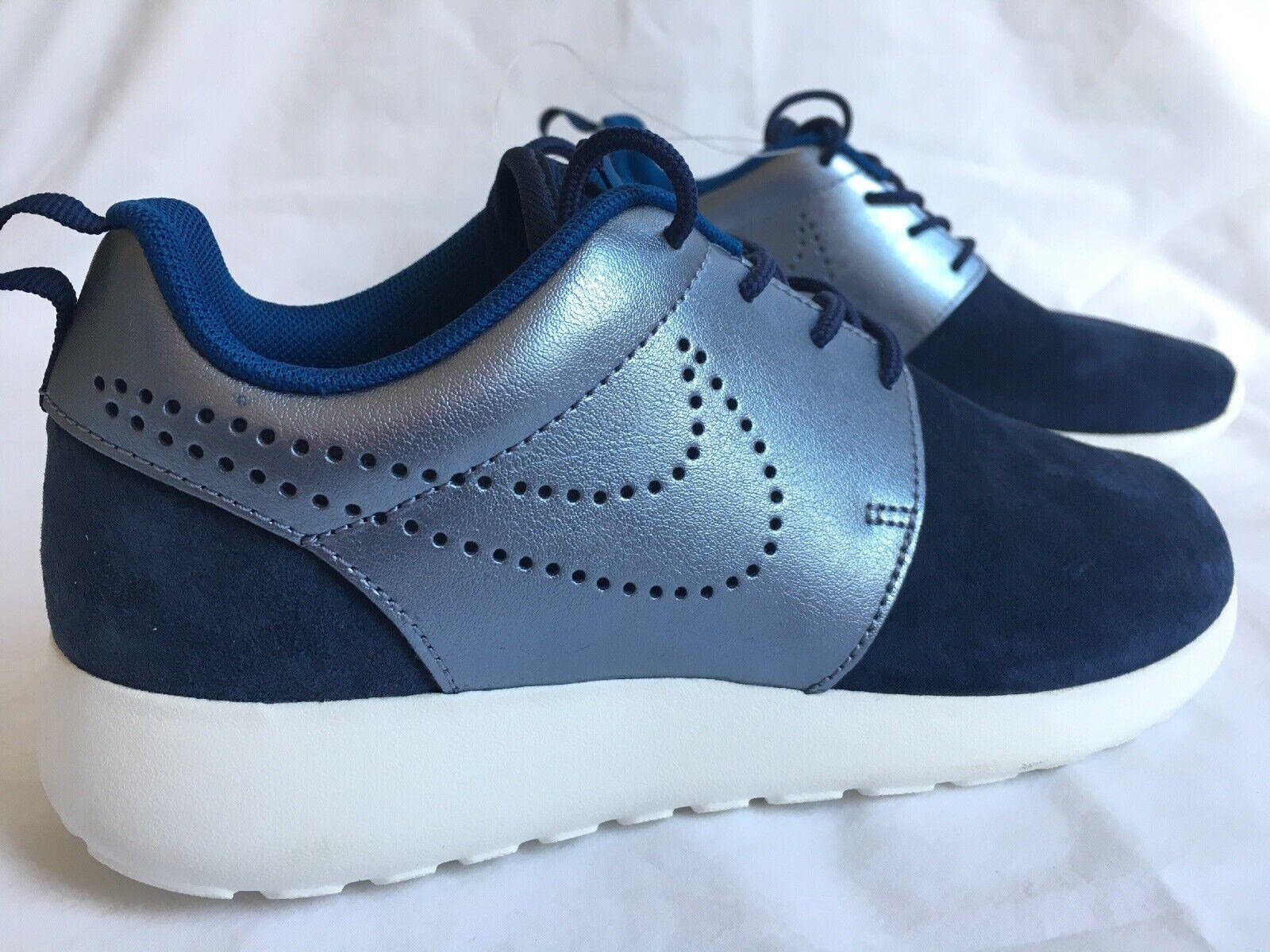 New Nike Roshe One Suede Women's Women's Women's Sneakers Navy Metallic bluee Size 7 8eeda1