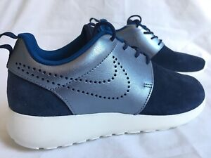 32d14b265bf9 New Nike Roshe One Suede Women s Sneakers Navy Metallic Blue Size 7 ...