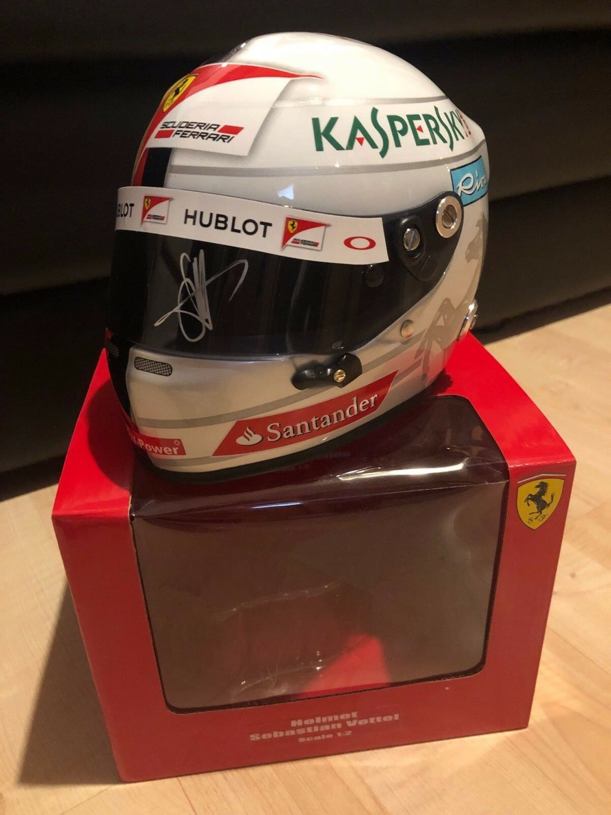 Sebastian bruja ferrari 2016 casco Helmet 1 2 signed autógrafo Autograph  rar