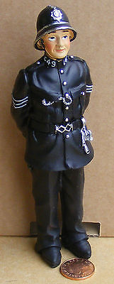1:12 Scale Dolls House Miniature Resin People Police Man