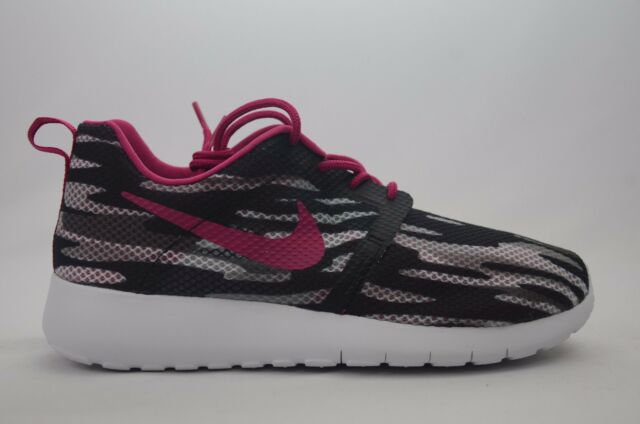 sale retailer b7ec4 b5ab3 Nike Roshe One Flight Weight (GS) Youth Size 5.5-6 New in Box