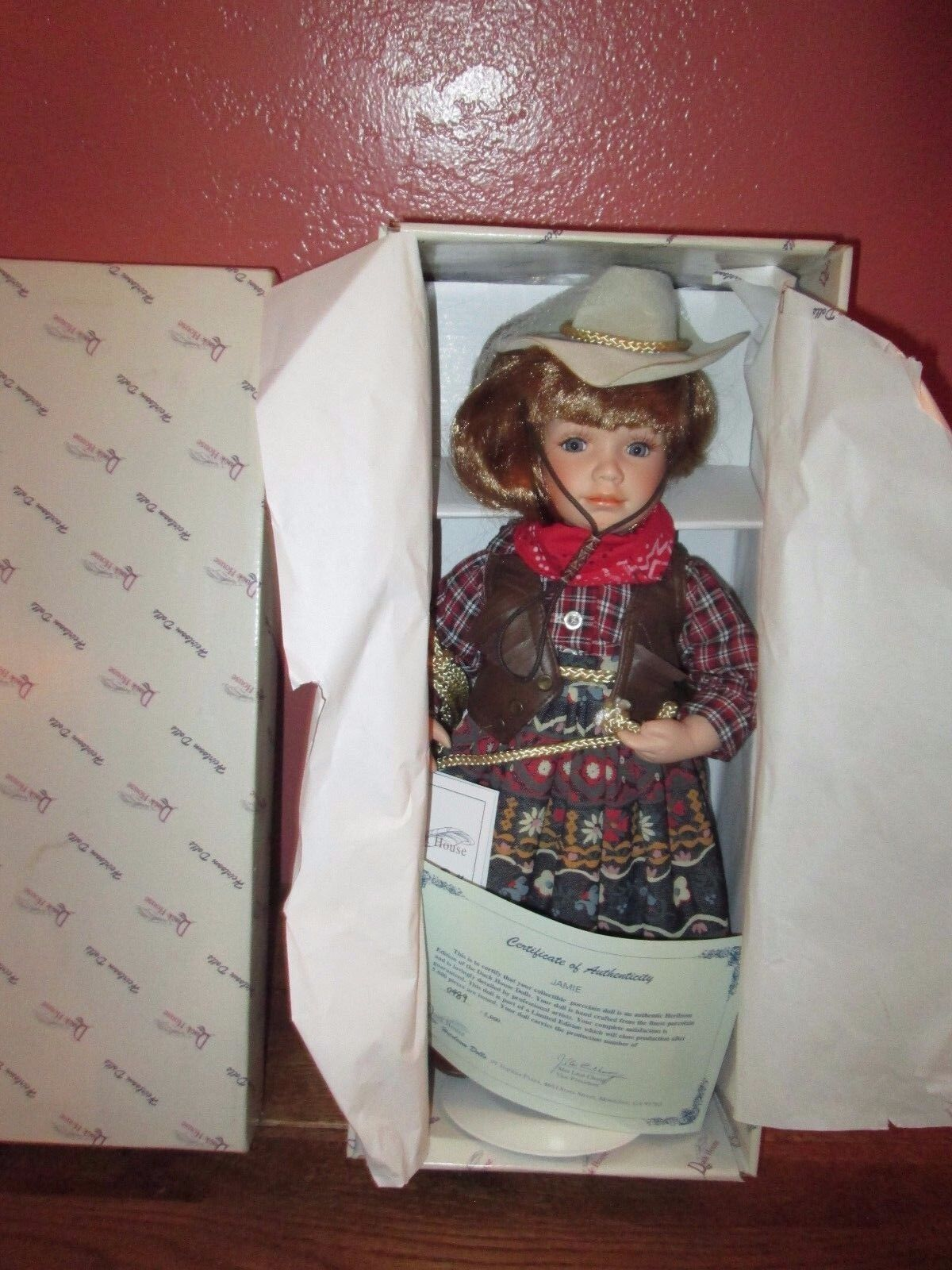Duck haus Heirloom Porcelain Doll JAMIE Cowgirl 489 5,000