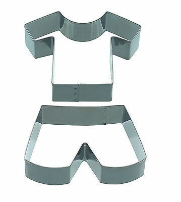 Kitchencraft Shirt /& Shorts Metal Biscuit//Cookie Cutter World Cup Football
