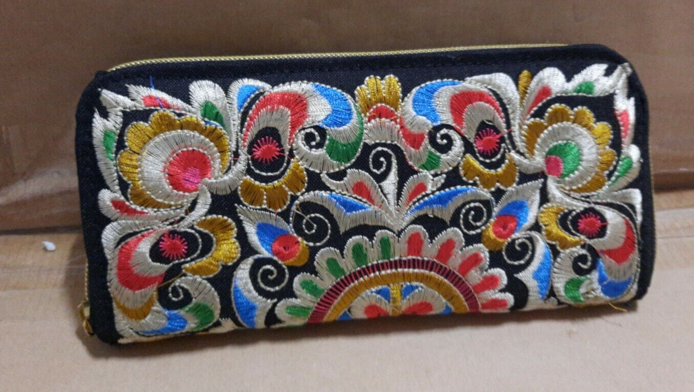 Black Purse Embroidered Flowers 20cm x 9.6cm Card Slot and Zip Purses