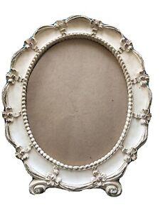 Antique-Syroco-Oval-picture-frame-Antique-White-12-1-2-x-10-1-2-Ornate-Design