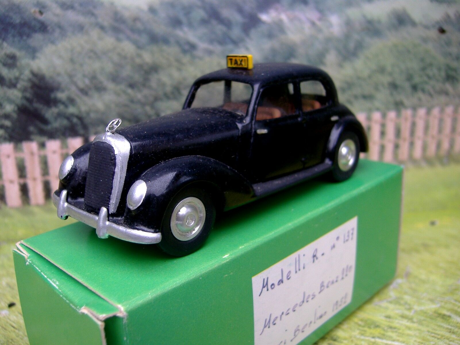1 43 43 43 Rampini  Mercedes-Benz 220 Taxi Berlin 1952  Handmade Resin Model Car 389ff3