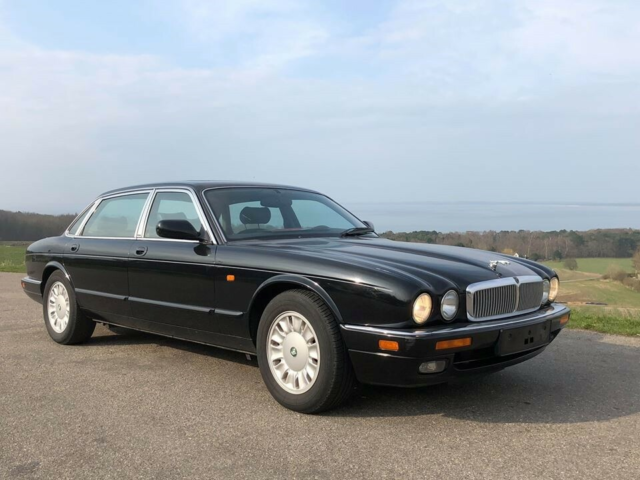 Jaguar XJ6, 4,0, Benzin, 1996, km 124000, sort, ABS,…