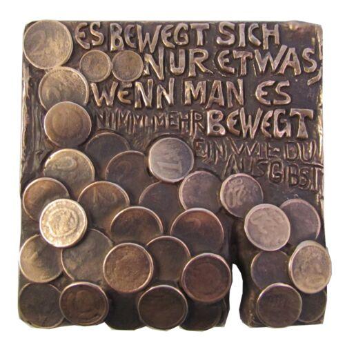 Bronze Relief Es bewegt sich nur etwas.... 15 cm 15 cm