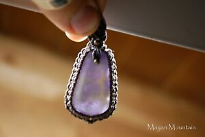 AMAZING-BRIGHT-PURPLE-GUATEMALAN-LILAC-LILA-JADE-IN-INTRICATE-MACRAME-NECKLACE