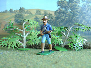 Armies in plastic Spanish/American war U.S. soldier advancing 1:32 painted