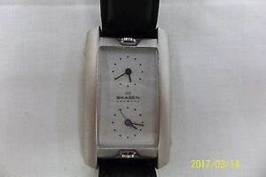 Mens-Skagen-Ultra-Slim-dual-time-watch-7USl-w-New-batteries-orig-black-band