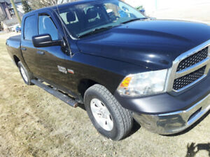 2014 Dodge Ram 1500 4x4 Crew cab short box