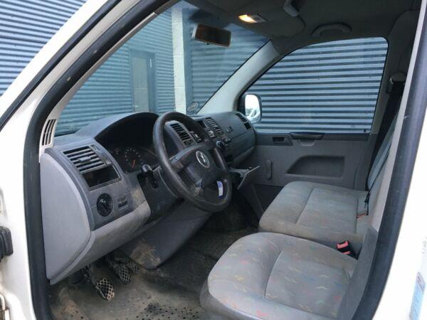 VW Transporter 1,9 TDi 104 Kassevogn kort - billede 4