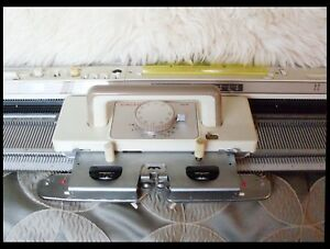 Singer Studio Silver Reed Sk 560 Electronic Knitting Machine With