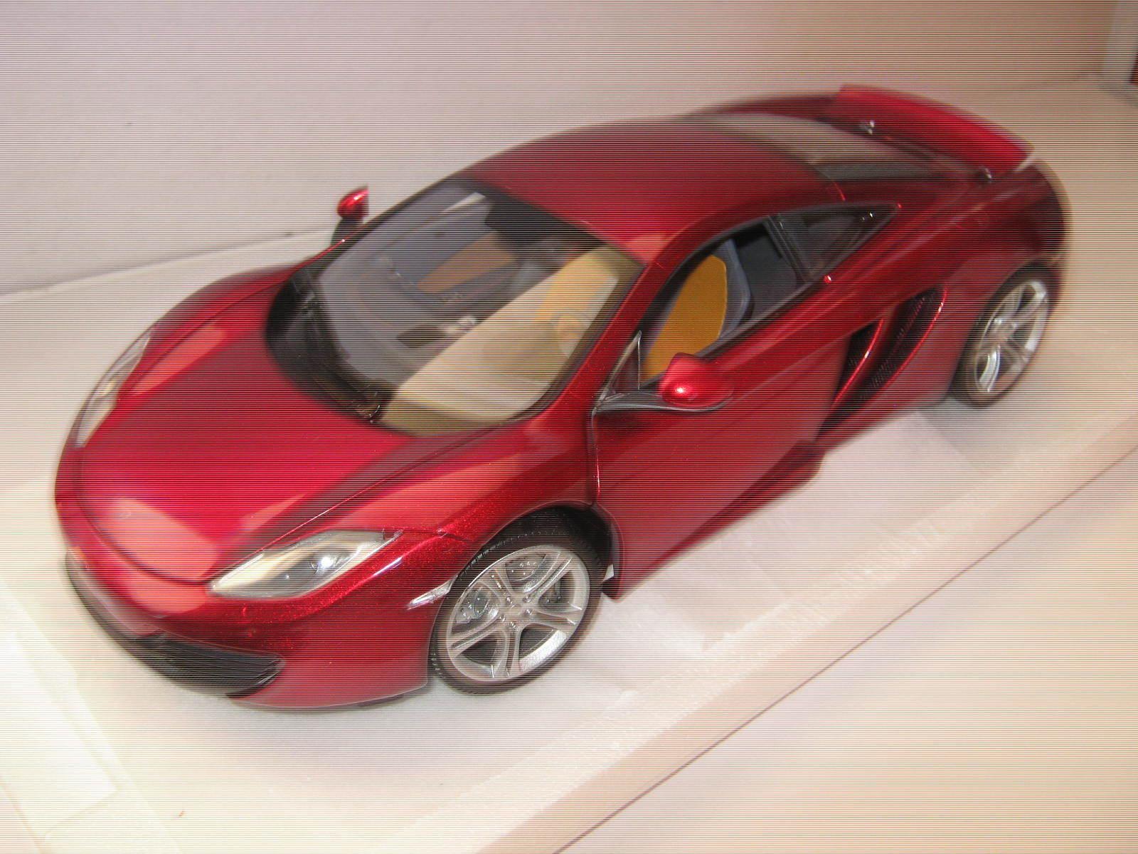 1 18 McLaren mp4 12c 2011 rouge met. 1 of 750 L.E. Minichamps 110133022 OVP New