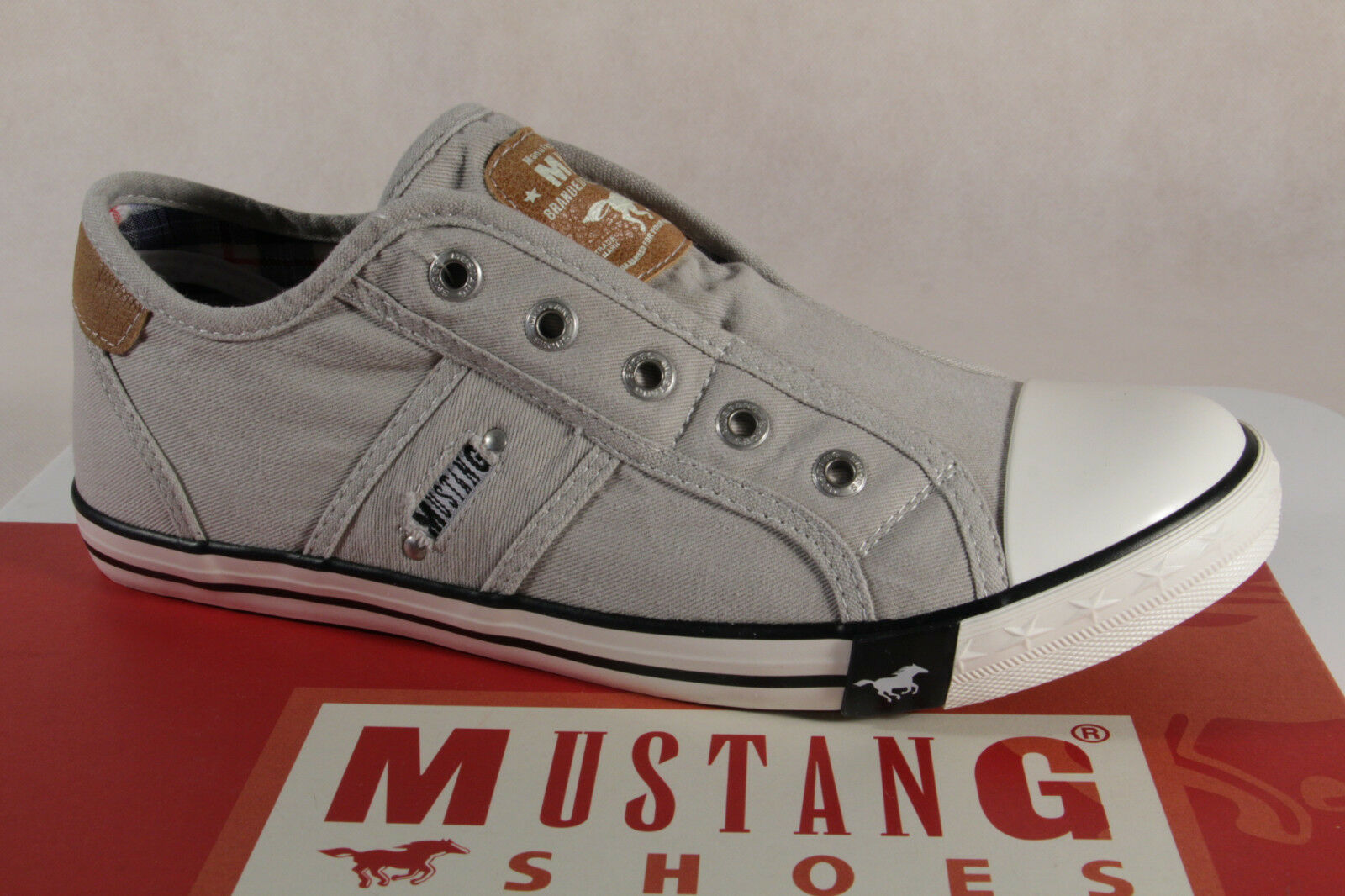 Mustang Slippers Trainers Sports shoes Low shoes Light Grey Canvas 1099 New