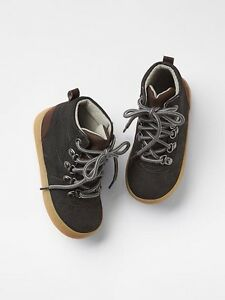 GAP Baby / Toddler Boy NWT Size 7 US / 24 EUR Gray Hiking Boots Hi-Top Sneakers