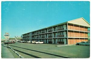 Lubbock-Texas-Postcard-Street-View-Rodeway-Inn-4th-St-amp-University-Ave-76088