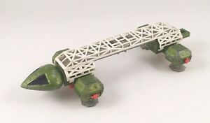 RARE-VINTAGE-DINKY-359-SPACE-1999-EAGLE-TRANSPORTER-GREEN-RED-DIECAST