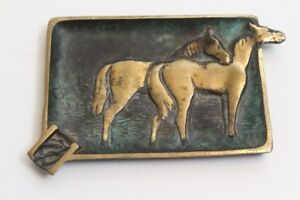 Age-Ashtray-Made-of-Metal-Horses-on-the-Kapasi-11-x-8-CM