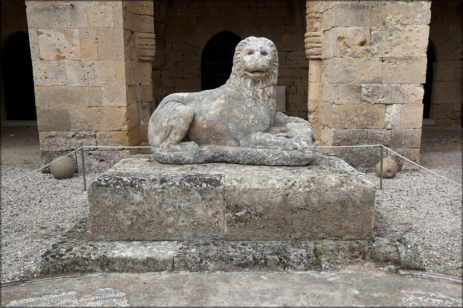 Plakat, Viele Größen ; Grab Löwe Rhodos