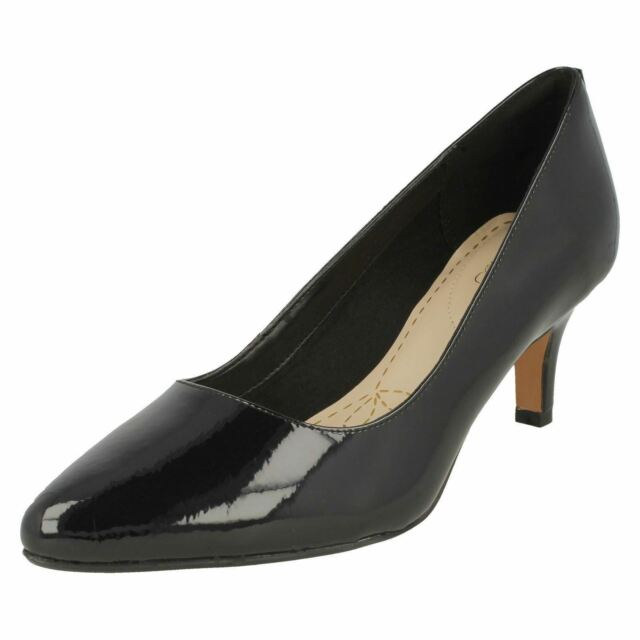 8513657911ee1 Clarks Womens Isidora Faye Black Patent Leather Cushioned Mid Heel Court  Shoes UK 6 for sale online