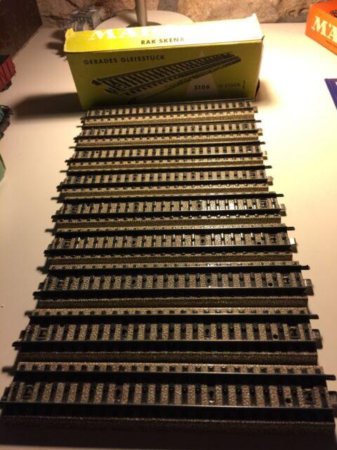 Boîte de 9 rails Märklin référence 5106