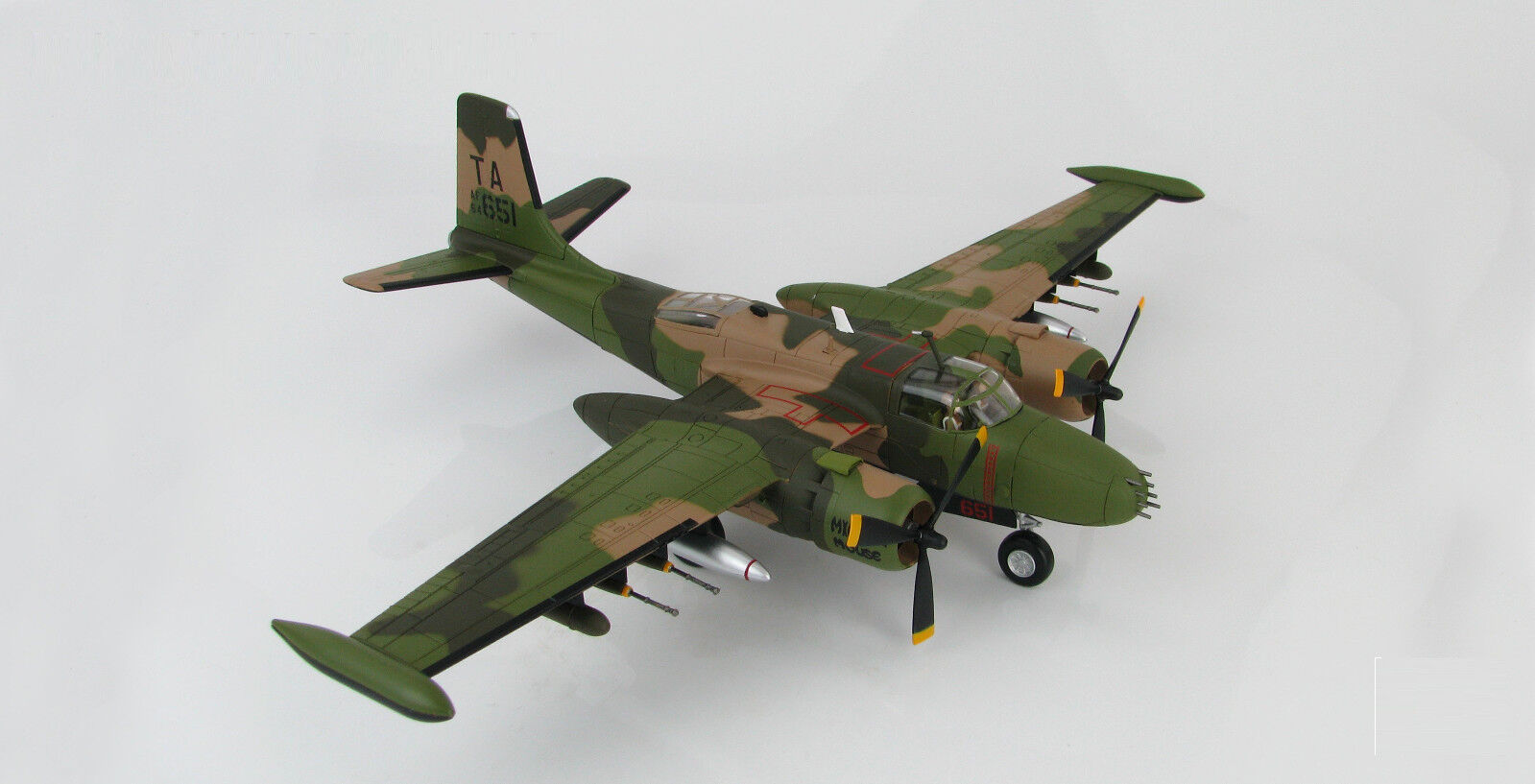 Hobby Master Douglas B-26K Counter Invader, USAF 50th SOW, 1969. HA3224