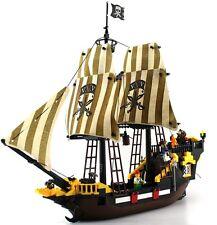Large Pirate Ship at Caribbean c/w Figures Compatible Building Bricks 590PcsDBox