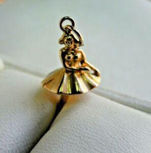 Vintage-9-carat-Gold-Ballerina-Charm