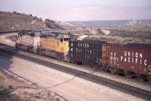 UNION-PACIFIC-Railroad-Locomotives-Freight-Train-LUGO-CA-Original-Photo-Slide