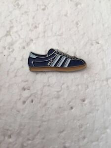 0009a2112ce3 Adidas Berlin Trainer Pin Badge Casual Ultras Away Days 3 Stripes ...