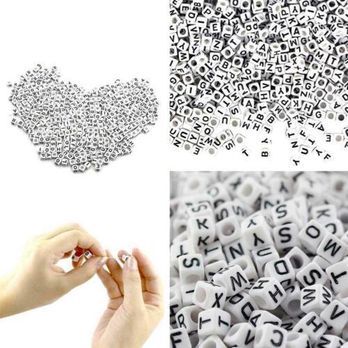 100X Weißer Buchstabe Alphabet Acryl Perlen für Armband Geschenke B7U4