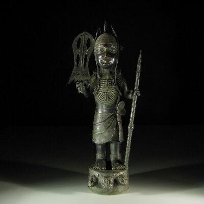 2411) Afrikanischer Bronze-würdenträger Nigeria Afrika Kunst