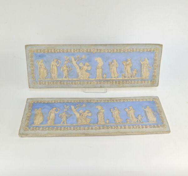 Grosses Soldes Deux Plaquettes Murales En Plâtre Dans Le Goût De Wedgwood Blanc Bleu 18ème Pour Assurer Une Transmission En Douceur