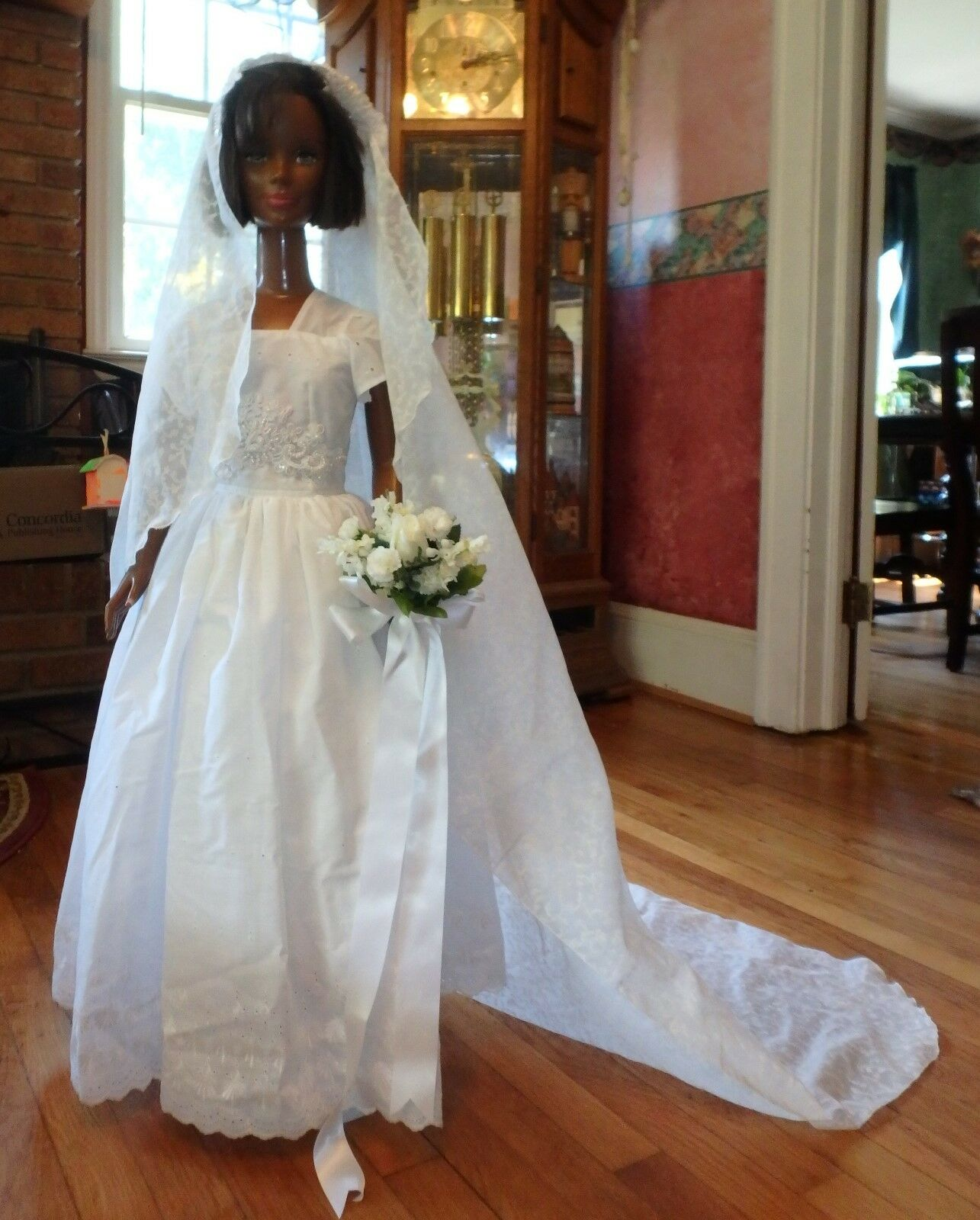 3 pc White Eyelet Lace Wedding Gown & Long Veil 36  My Size Barbie Doll MYWD105