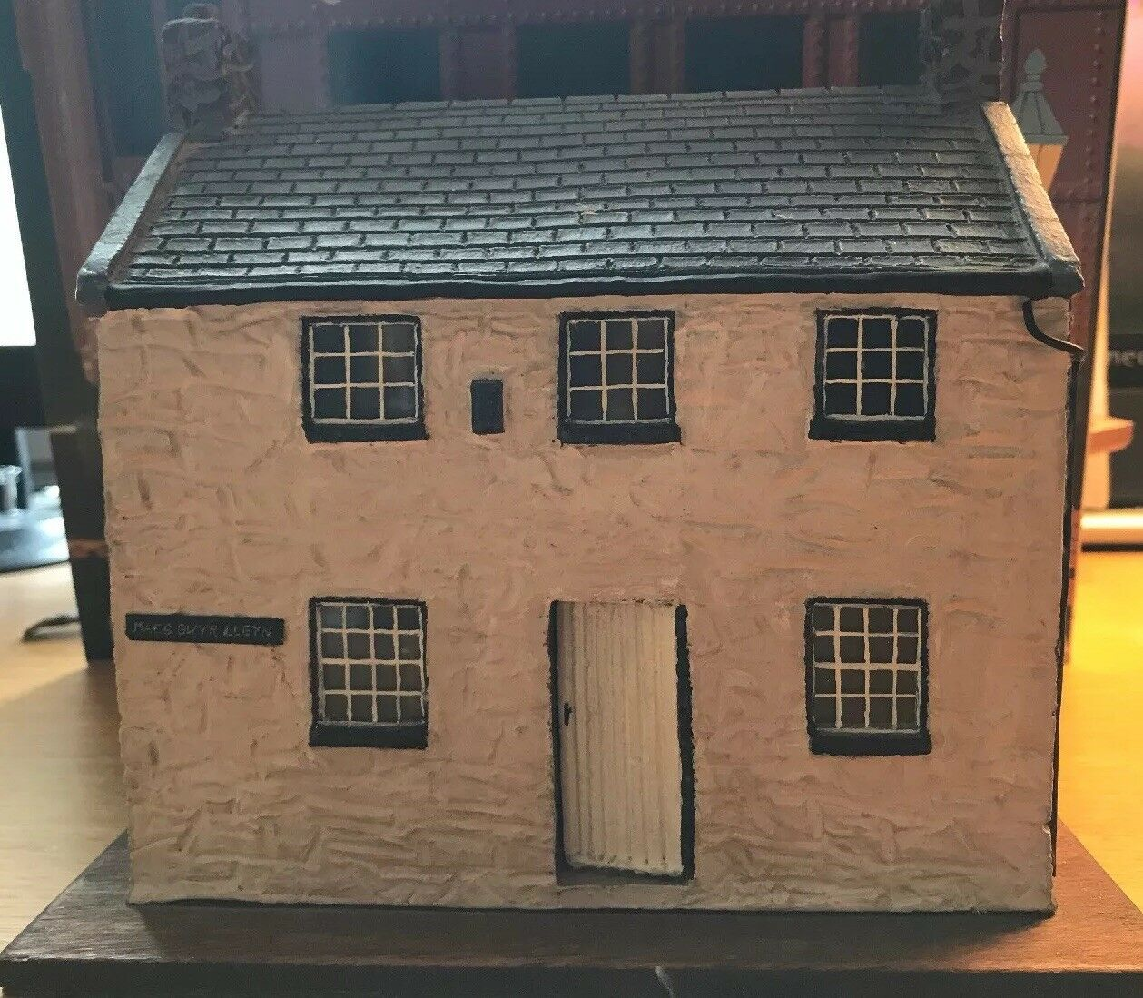 Diorama 1 50th Scale Welsh Cottage Height 6.5 Inches Clay Expert Construction