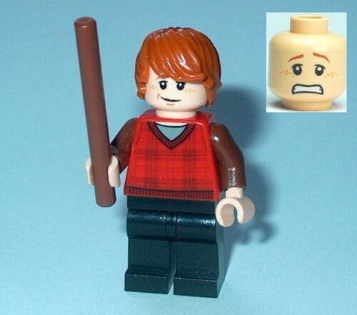 HARRY POTTER #18 Lego Ron Weasley Plaid Tartan Vest w//wand NEW Genuine Lego 4841