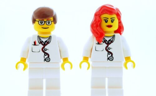 LEGO Male /& Female Nurse Doctor Medic Minifigures  NEW Town City