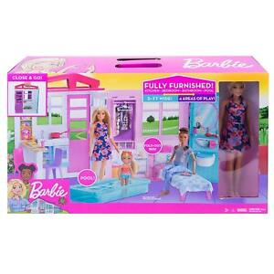 Casa di Barbie Portatile Piccola con Bambola Inclusa, Piscina e