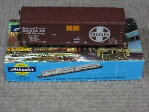 Athearn-HO-Scale-Santa-Fe-ATSF-40-Foot-Grainloading-Box-Car-Assembled-Kit-New