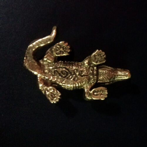 Alligator Crocodile figurine Statue brass Power animal Lucky Wealth Rich Charm