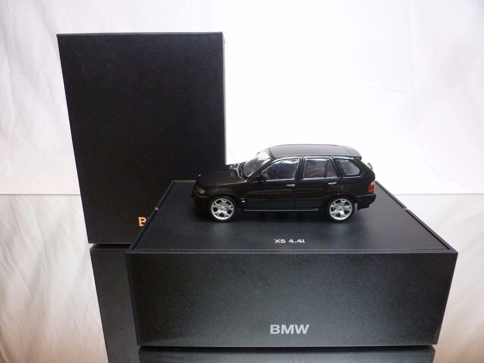 4.4i minichamps bmw - metallic 1 43 - ausgezeichneten zustand dealerbox