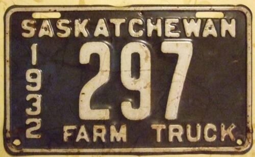 1932 Saskatchewan Farm Truck Vehicle License Plate /'297/' Old Photo