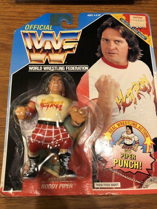 Hasbro WWF Wrestling Rowdy Roddy Piper Pipper Punch figura Unopend  11886