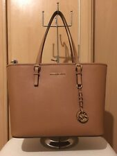item 7 Michael Kors Jet Set Travel Saffiano Leather Top-Zip Tote Bag RRP  £270 Gift -Michael Kors Jet Set Travel Saffiano Leather Top-Zip Tote Bag  RRP £270 ... 8fda207447b54