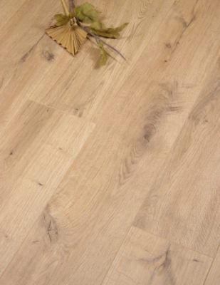 Egger Natural Lausanne Oak Brown, Yorkshire Oak Laminate Flooring