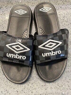3 Umbro Boys Slides Size M