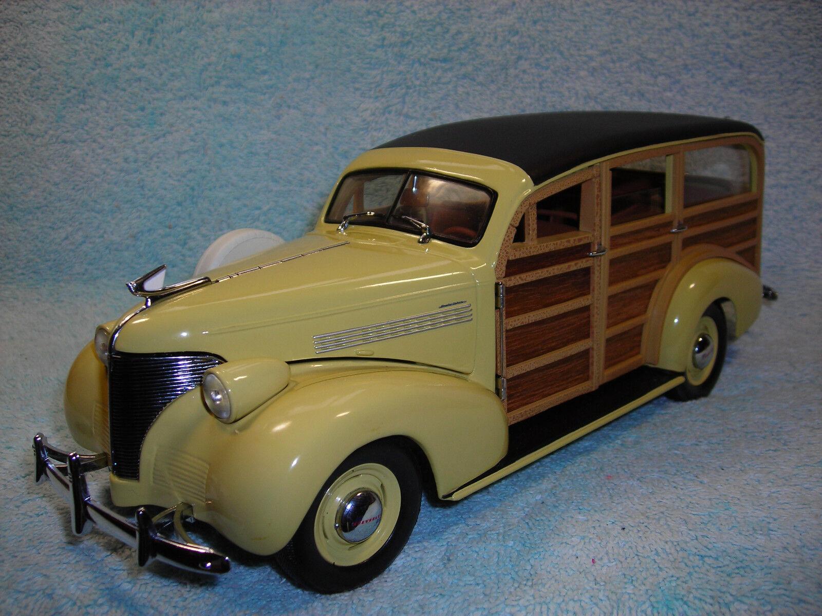 1 18 1939 CHEVY WOODY WAGON EN JAUNE \ bois véritable par MOTOR CITY CLASSICS.