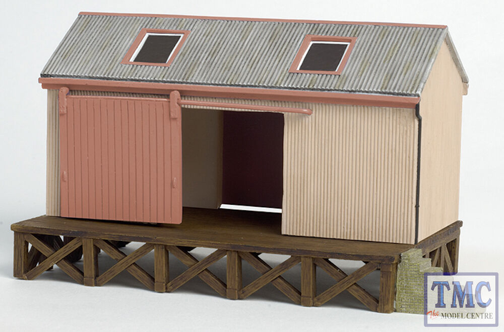 44-006 OO Gauge Scenecraft Corrugated Goods Shed